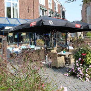 De stadswandeling met gids in Vlissingen begind bij Knuijtmode